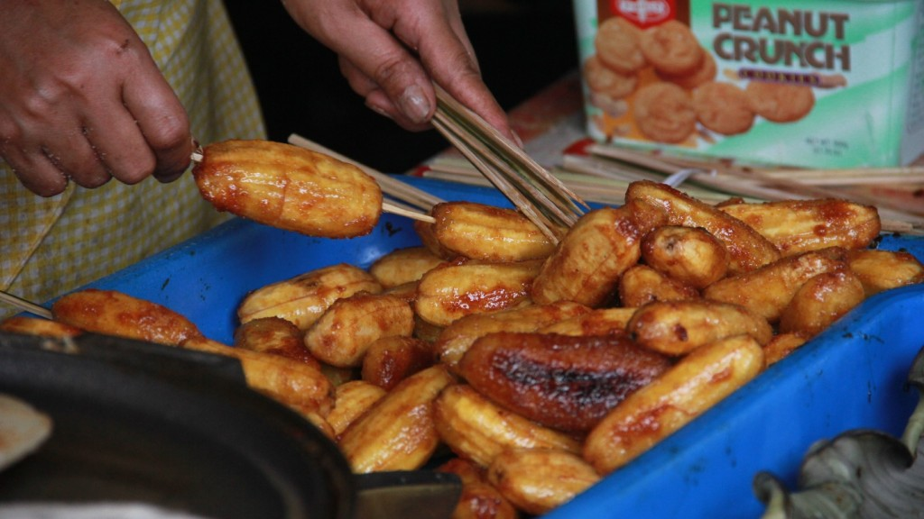 Davao's most sought-after street foods: Banana Cue| Photo by Mark Christian Jefferson Tuazon
