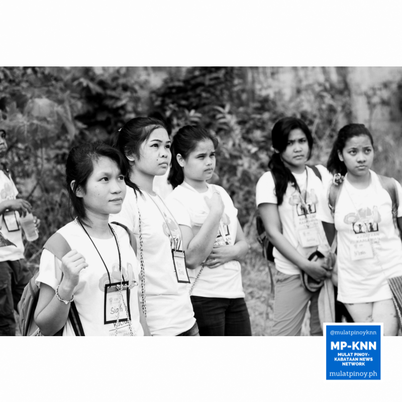 Indigenous youth participants getting ready to try out photo documentation. | Photo by Meeko Angela Camba/MP-KNN