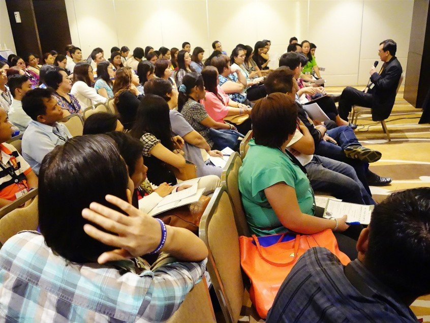 Teachers from over 100 schools in Cebu ask questions and share experiences related to cyberbullying with social media expert Sonnie Santos at the #CTRLYouthCon on cyberbullying held on October 17 to 18, 2015 in Cebu City. | Photo by Rocel Ann Junio/MP-KNN